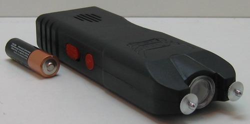 Электрошокер с фонариком №704 больш.