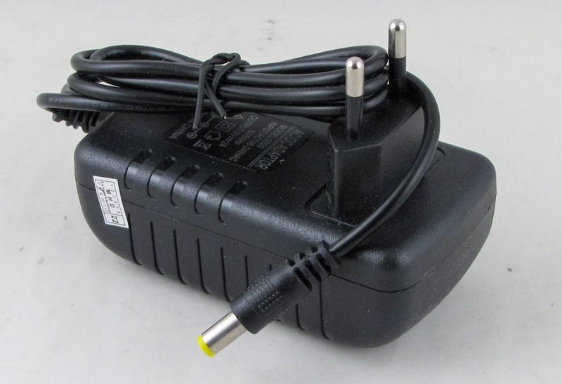 Блок питания (9V 2A) №0920 толст. штек. (5,5*2,5)