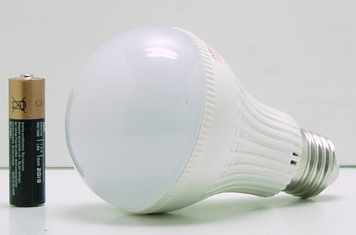 Лампа светодиодная E27-7