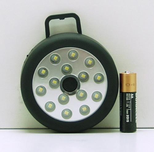 Фонарь светодиодный (15 ярк., 3AAА) светил. магнит Y-633 (MX-015)