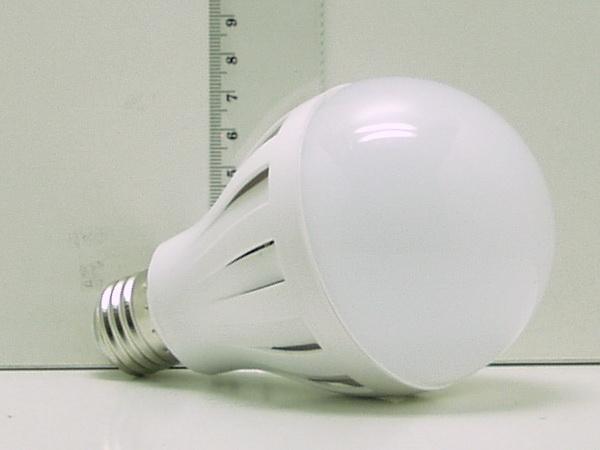 Лампа светодиодная 8W E27-5630