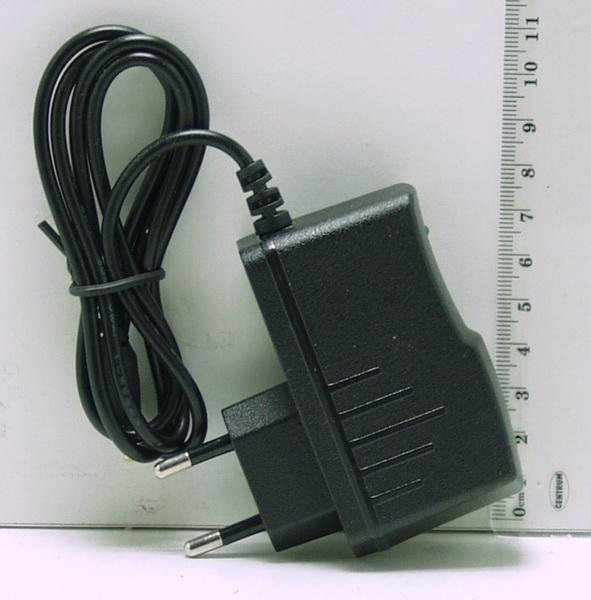 Блок питания (5V 2A) для планшета №52 (плоский) тонк. желт. штекер