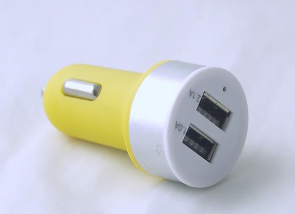 Блок питания для MP3 (2 USB,без шн.) 5V 2,1/1A прикур. №5656 кругл.