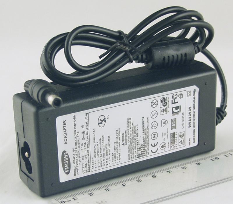Блок питания для ноутбука (19V 3,16A 5,5*3.0) SAMSUNG