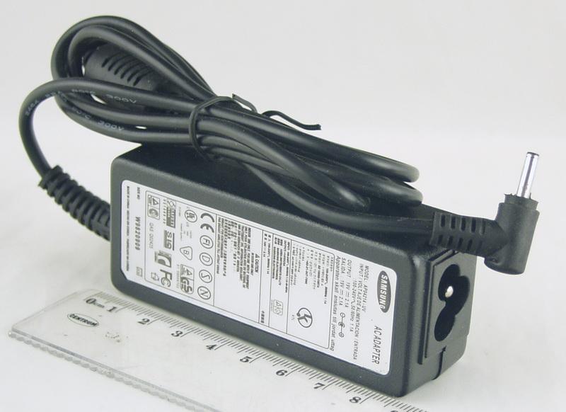 Блок питания для ноутбука (19V 2,1A 3,0*1,1) SAMSUNG