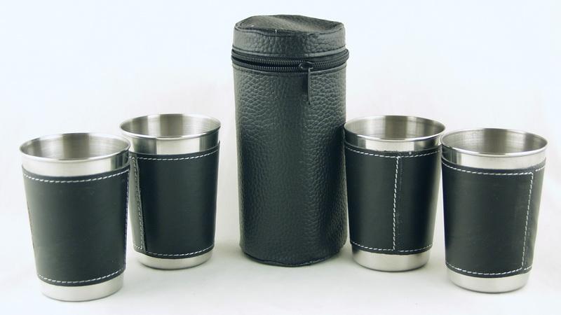 Набор мет.стаканов (4 шт в футл) больш. в коже