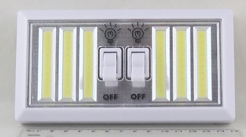 Фонарь светодиодный (6 больш. ламп, 4AА) YD-1137 выключатель