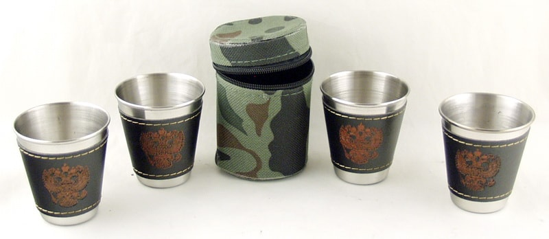 Набор мет.стаканов (4 шт в футл) сред. в комуфл. футляре M14A