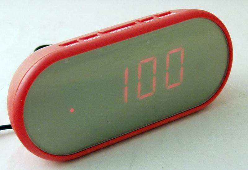 Часы-буд. электронные VST-712Y-1 (крас. циф.)