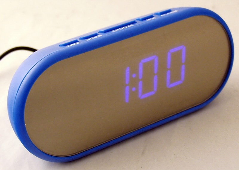 Часы-буд. электронные VST-712Y-5 (синие циф.)