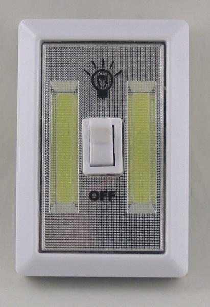 Фонарь светодиодный (2 больш. лампа, 4AAА) №1158 выключатель